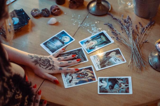 freifliegend - Tarot| Kartenlegen| Wahrsagen| Hellsehen| Kartenleger| Tarotkarten| Hexe
